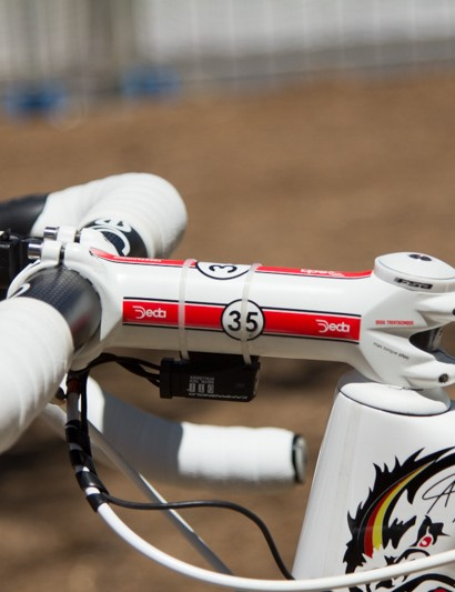 No headset spacers under this 140mm stem, Greipel's position is extremely aggresive