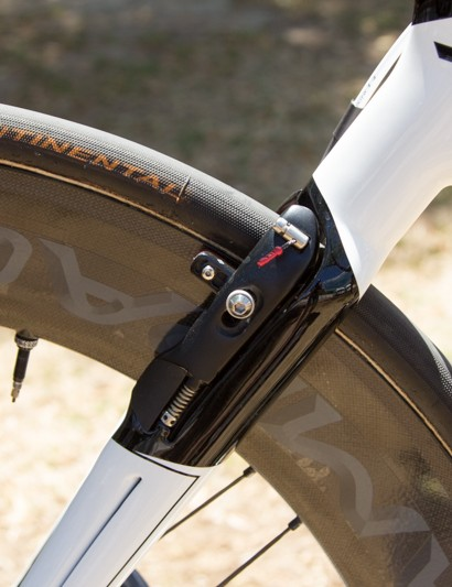 Blended into the seatstay, the rear brake is easy to miss. If only aerodynamics was based on what the wind could see…