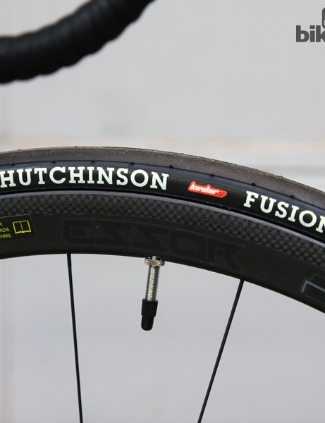 Velo Vie offers its own Essor-brand carbon clincher wheels as an optional upgrade