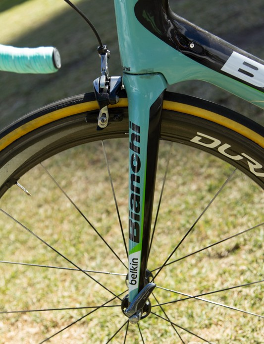 One of the main changes from the original Oltre XR is the new integrated fork and head tube design - Bianchi claims this improves the bike's wind-cheating ability