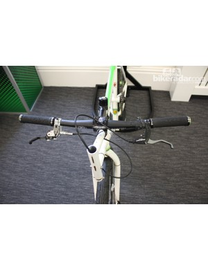 The tow release cable is in the form of a repurposed rear brake lever