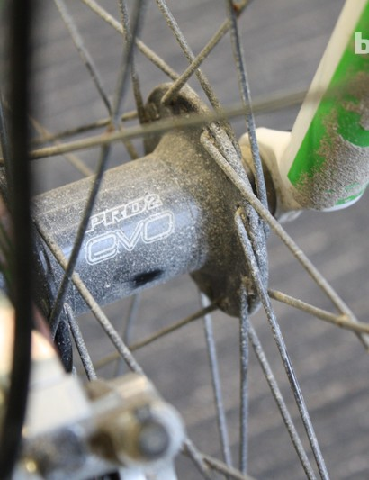 The Hope Pro 2 Evo front hub is laced to a 26in Mavic EN521 rim