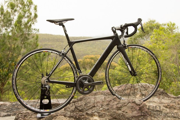 Cell Omeo 1.0 - a race ready bike with direct-buy bargain pricing