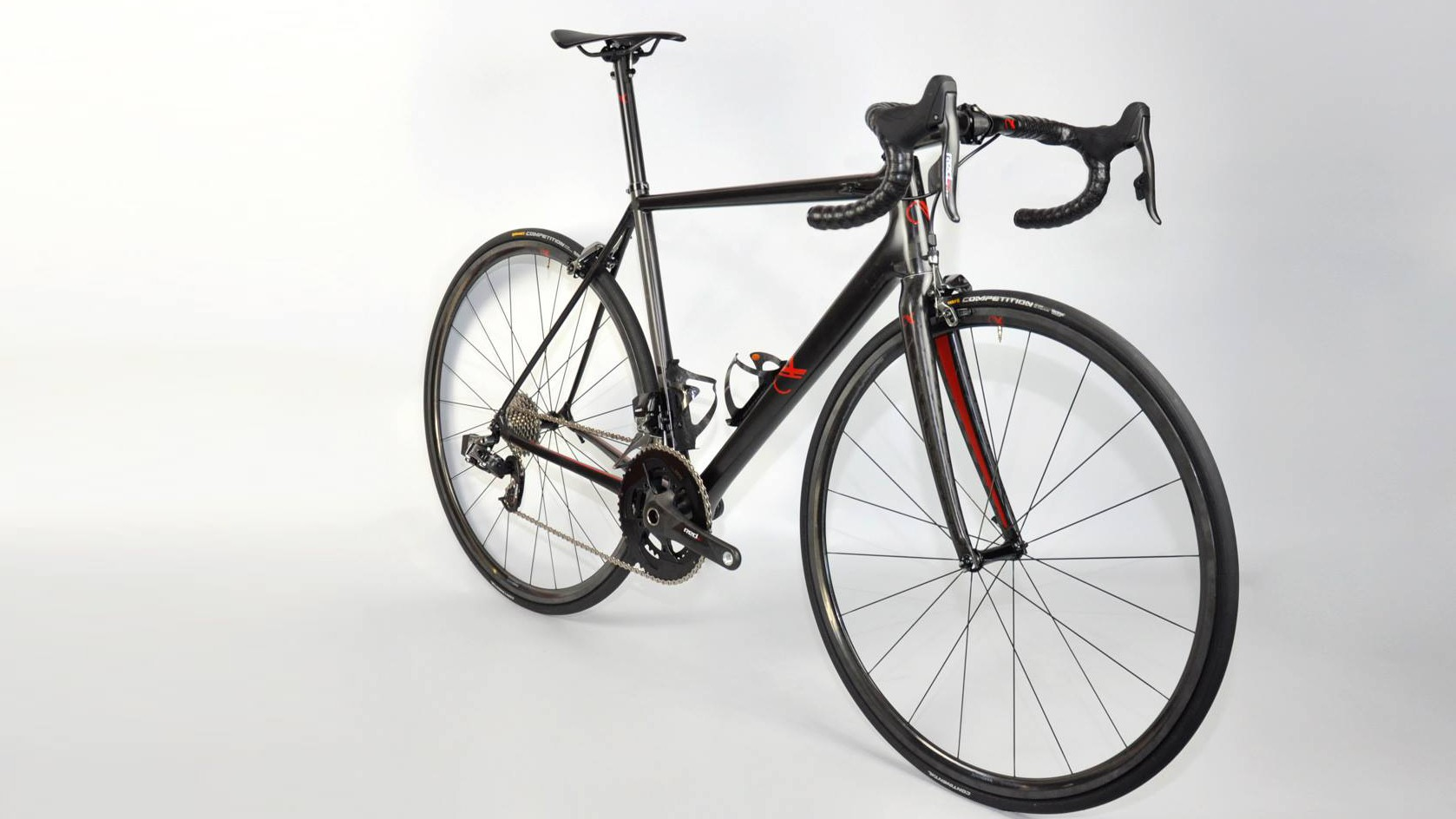 The AX-Lightness VIAL evo Ultra eTap sits a full 2kg under the UCI's current weight limit