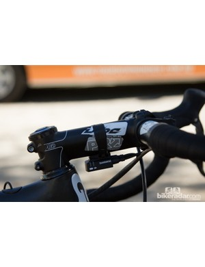 Kittel's PRO Vibe stem isn't the same as the one PRO advertise. This one features a four-bolt face plate and fits Giant's oversized 1 1/4in steerer tube