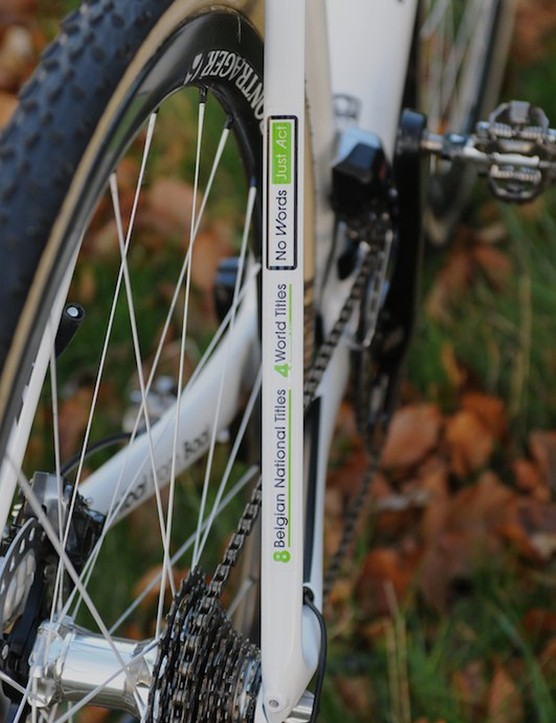 Sven's palmares and his mantra adorn the right side seat stay