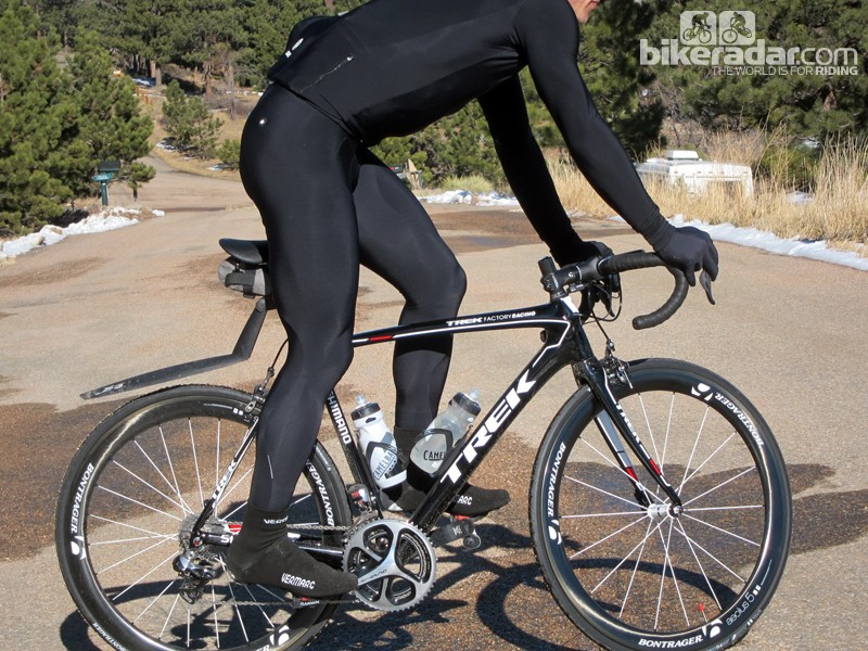 The Assos LL.Uno_s5 bib tight is an excellent piece for cold-weather riding