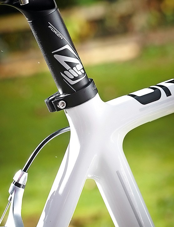 The rear wishbone joins an octagonal down tube and top tube