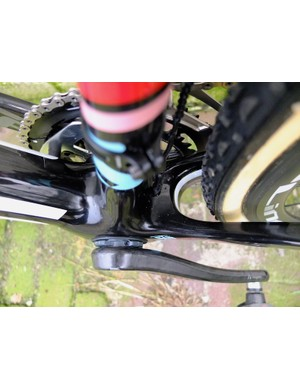 Decent clearance too at the bottom bracket and chainstay junction