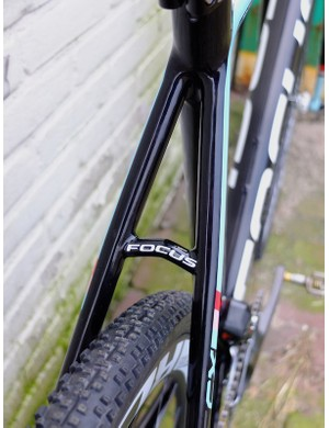 The rear seat stay bridge looks to be in a similar place to that on the canti version
