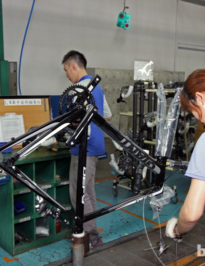 Giant's factory workers actually assemble the bikes upside-down so as to not leave any clamp marks on frame tubing or dropouts