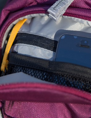 The internal organiser keeps all your valuables in place and easily accessible