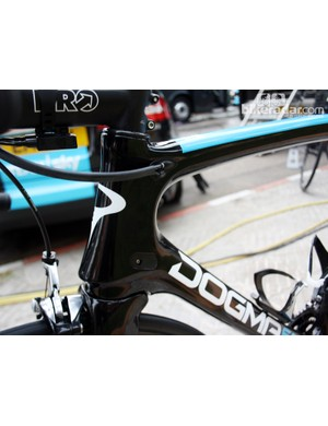 Cable routing is especially neat and tidy thanks to piggybacked ports on the frame and a section of heat shrink tubing