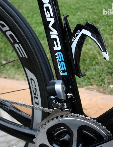 The controlled downshift movement on Shimano's Di2 electronic drivetrain minimizes the need for a supplemental chain catcher