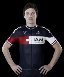 Sylvain Chavanel veste la divisa IAM Cycling 2014