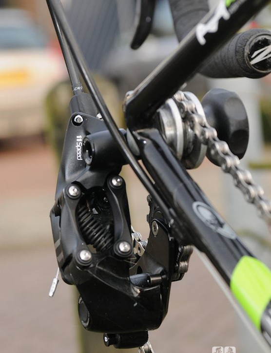 Front view of the SRAM CX1 rear deraileur, which uses a straight parallelogram instead of the standard slant parallelogram