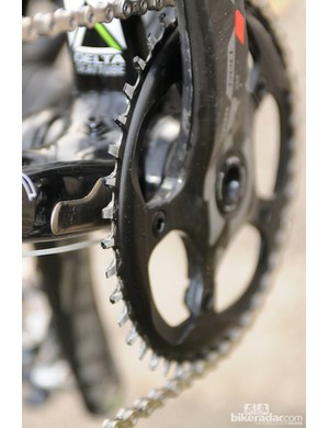 The SRAM CX1 rear derailleur is matched to this single chain ring with obvious wide-narrow teeth and no form of chain guide