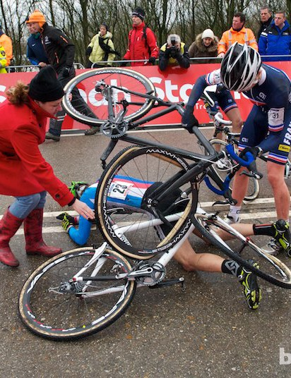 There was an early crash in the men's juniors race. At the foot of the carnage were one Czech and two French riders, two rolled tubulars and two broken chains!
