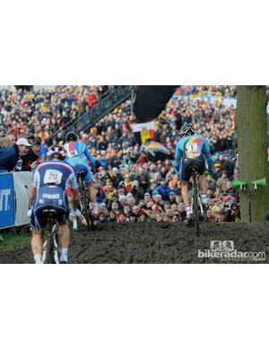 The start of the Zdenek Stybar and Sven Nys battle that everyone had come to see with Mourey getting distanced