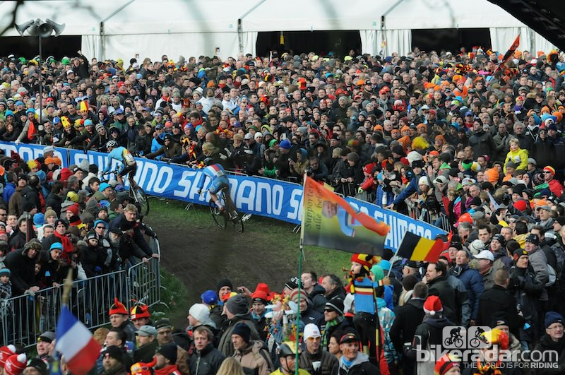 The Nys-Stybar battle continued to entertain the huge crowd