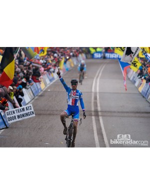 …but a mistake in the last half lap allowed Stybar to escape for his third world title