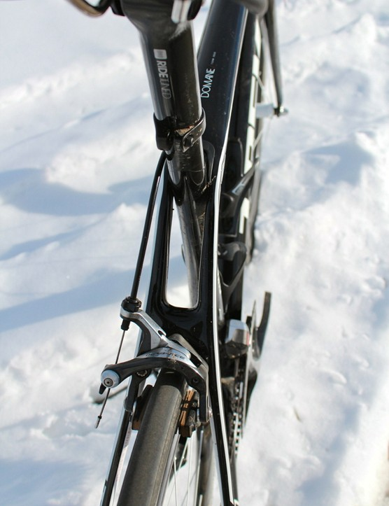 Instead of just the seat post (or in this situation, seat mast) flexing under load, the Domane allows vertical deflection to take place down the seat tube between the seat stays as well