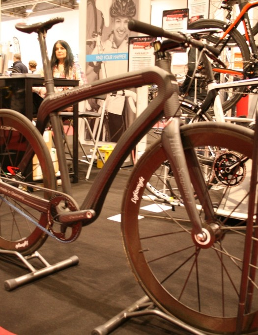 Munich Composites' belt drive asymmetric urban bike