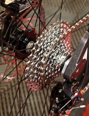 The rear end is also adaptable and accepts either a 135mm or 142mm hub