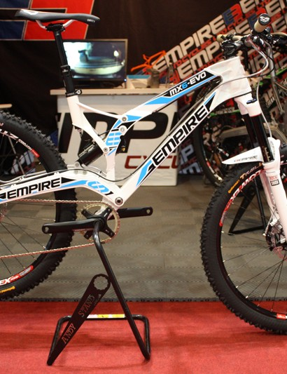 Empire also showed off this enduro-ready build of their new MX6-EVO, the frameset is also sold seperately for £999 with a Rockshox Monarch RT3 shock