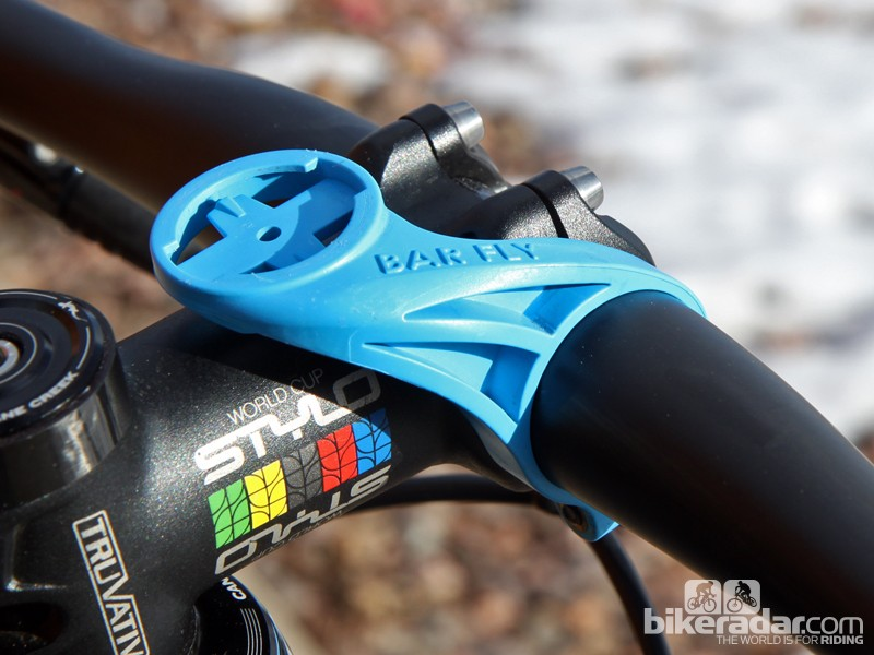 Bar Fly's new 3.0 model is aimed at off-road riders who don't want to position their Garmin Edge computers out in front of the handlebar. Don't get too excited about the blue color, though - it was a limited edition that has since disappeared so black is the only option