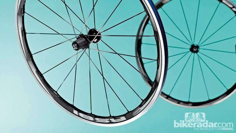 Shimano RS81 C35 wheels