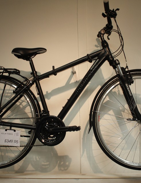 All bikes in the Vela range are fitted with full mudguards, a pannier rack and a stand as standard