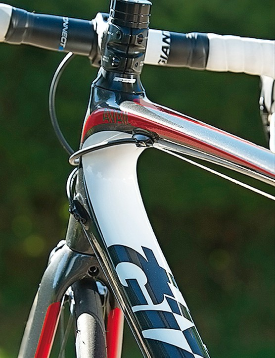 Internal routing keeps the frame lines clean and the cables working smoothly