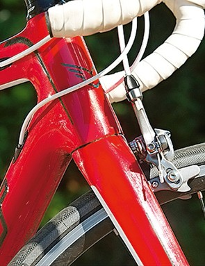 The tapered head tube, from 11/8 to 1 1/2in, stiffens up the front end to improve steering