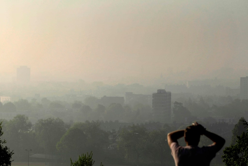 The UK is failing to tackle air pollution quickly enough and it is to be taken to court by the EU
