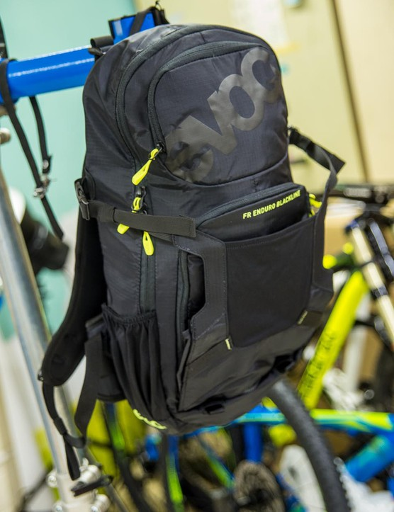 EVOC FR Enduro Blackline pack
