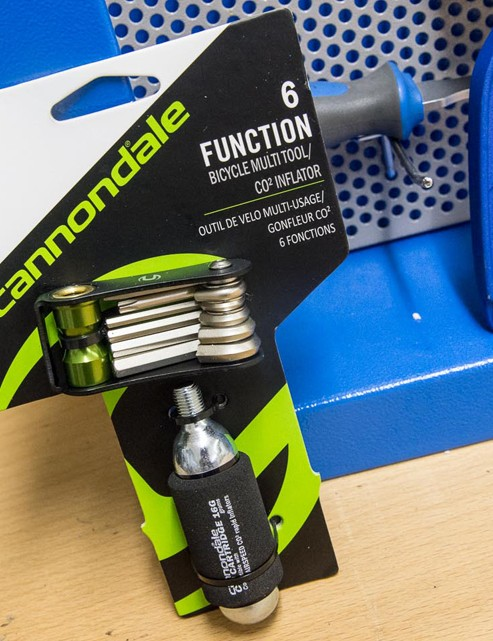 Cannondale 6 function multi-tool with CO2 inflator