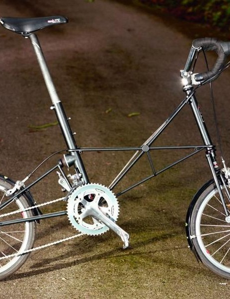 The Moulton Esprit - perfect for Johnson's city life