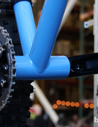 Surly opted to use a 100mm-wide press-fit bottom bracket shell to maximize tyre clearance