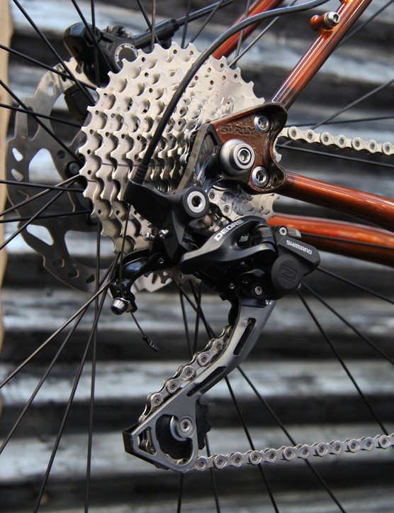 The 12x142 thru-axle version uses a Shimano Direct-Mount hanger