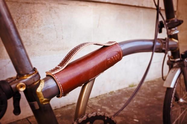 Raw Brompton carry handle