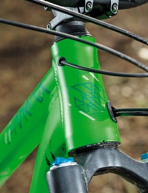 That tapered head tube is very stiff. The straight fork steerer inside it isn't