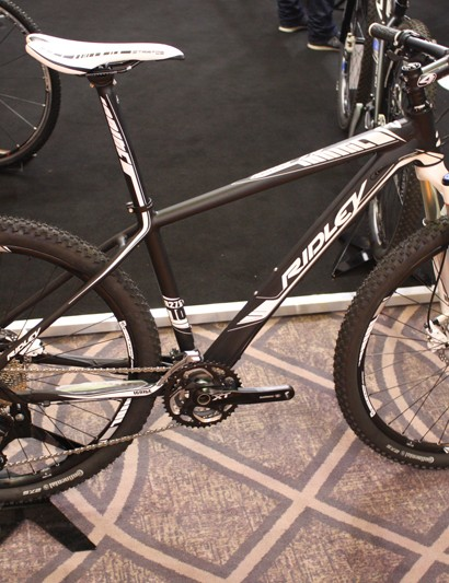The mid-range and top-end models are available in 650b and 29er variants