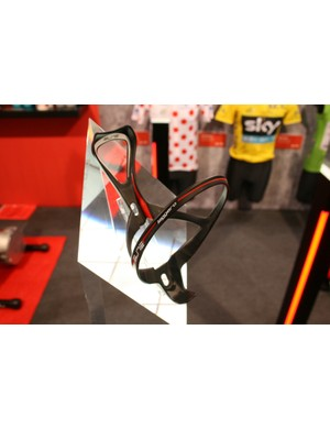 Elite have launched a skeletal superlight water bottle cage – the 15g Leggero