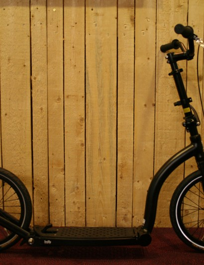 It won't replace a folding bicycle but Swifty ONE looks like the ideal companion for short city commutes