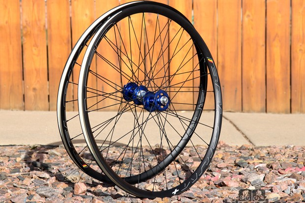 The Chris King Alloy Ride Disc road wheelset is exceptionally solid and reasonably light