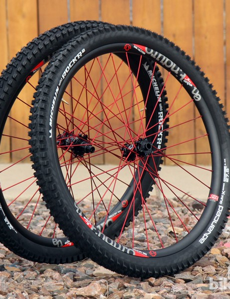 Industry Nine's revamped Enduro wheelset is built with a 26mm-wide (internal width) tubeless-compatible rim, custom aluminium spokes, and the company's own hubset with an ultra-fast-engaging rear freehub