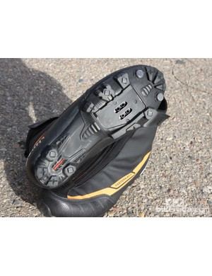 The aggressively treaded outsole lends ample grip in winter conditions