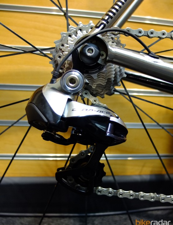 Dura Ace Di2 looks rather clunky when photographed alongside the Volare's sleek tubing