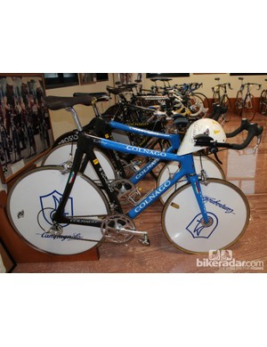 For the world team time trial, Colnago used small front wheels so the Italian team members could ride closer to each other for a better draft